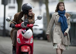 A Castle in Italy: Valeria Bruni Tedeschi con Louis Garrel in una scena