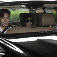 Bends: Kun Chen e Carina Lau in una scena del film