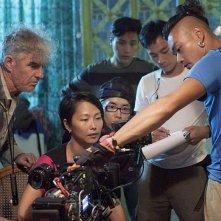 Bends: la regista del rilm Flora Lau sul set