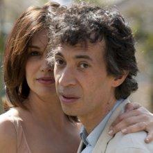 Helena Noguerra accanto ad Eric Elmosnino in Hotel Normandy, film francese del 2013