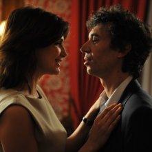 Helena Noguerra con Eric Elmosnino in Hotel Normandy, film francese del 2013