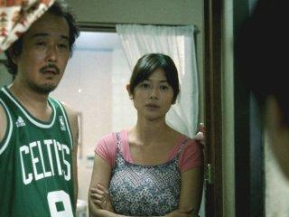 Like father, Like son: Lily Franky e Maki Yoko in una scena
