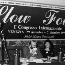 Slow Food Story: Carlo Petrini agli albori del movimento Slow Food in una scena del documentario