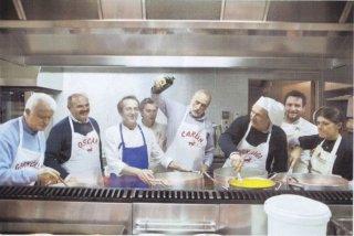 Slow Food Story: Carlo Petrini e Piero Sardo, fondarori di Slow Food, in una scena del documentario