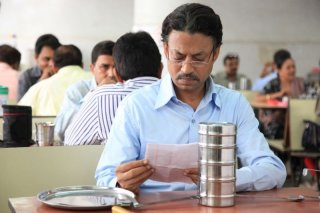 The Lunchbox: il protagonista Irrfan Khan in una scena del film