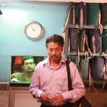 The Lunchbox: Irrfan Khan in una scena del film nei panni di Saajan
