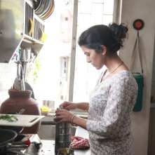 The Lunchbox: Nimrat Kaur in un momento del film