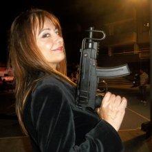 Rosalba Piras sul set di Bellas mariposas, in una foto scattata durante le prove della scena di una sparatoria