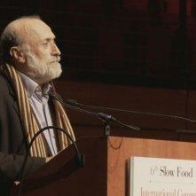 Slow Food Story: Carlo Petrini durante un convegno di Slow Food