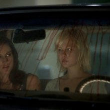 America Olivo e Adelaide Clemens sono Tamara ed Emma in No One Lives