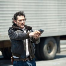 Blood ties: Billy Crudup impugna la sua pistola in una scena del film