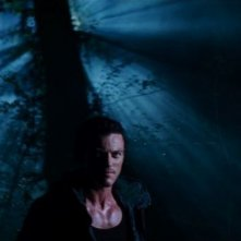 Luke Evans in No One Lives: una sequenza del film
