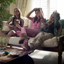 The Bling Ring: Georgia Rock, Taissa Farmiga con Emma Watson in una scena