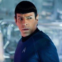 Zachary Quinto nel ruolo di Spock in un momento di Into Darkness - Star Trek