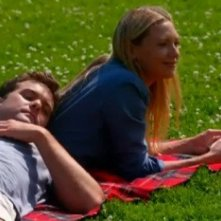 Fringe: Anna Torv e Joshua Jackson nell'episodio An Enemy of Fate