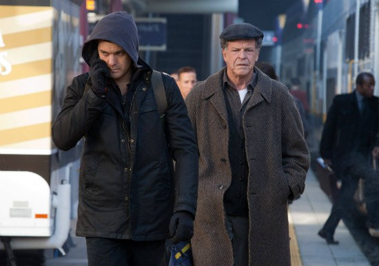 Fringe John Noble E Joshua Jackson Nell Episodio The Boy Must Live 274675