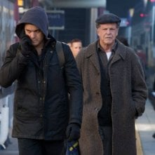 Fringe: John Noble e Joshua Jackson nell'episodio The Boy Must Live