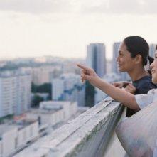 Ilo Ilo:  il piccolo protagonista Koh Jia Ler in una scena con Angeli Bayani