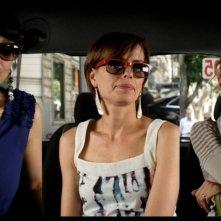 Meglio se stai zitta: Emilia Verginelli, Donatella Finocchiaro e Claudia Pandolfi in una immagine promo del corto