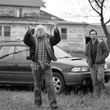 Nebraska: un'immagine di Will Forte insieme a Bruce Dern in un'immagine del film