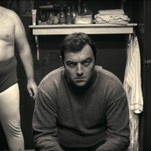 Nos héros sont morts ce soir: Denis Menochet in una scena del film