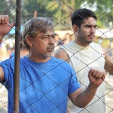 On the job: Joel Torre in una scena con Gerald Anderson