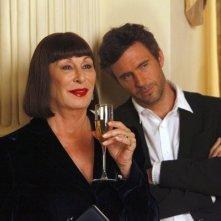 Smash: Anjelica Huston e Jack Davenport dell'episodio On Broadway