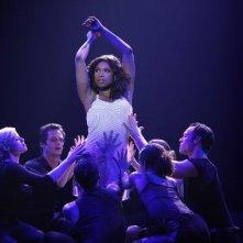 Smash: Jennifer Hudson in una scena dell'episodio On Broadway
