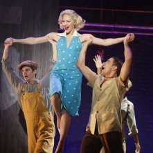 Smash: Una scena dell'episodio On Broadway