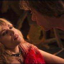 Venere in pelliccia: Emmanuelle Seigner e Mathieu Amalric in una scena