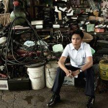 Bends: Kun Chen in una scena del film