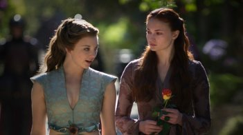 Game of Thrones: Sophie Turner e Natalie Dormer nell'episodio The Bear and the Maiden Fair