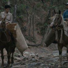 Los Dueños: la protagonista Rosario Bléfari a cavallo in un'immagine del film con Sergio Prina