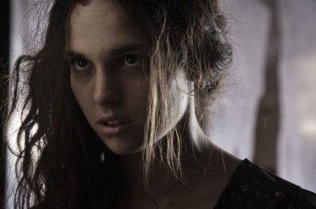 Salvo: Sara Serraiocco in una scena