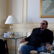 Seduced And Adandoned: il regista James Toback con Alec Baldwin e Bernardo Bertolucci in una scena del documentario