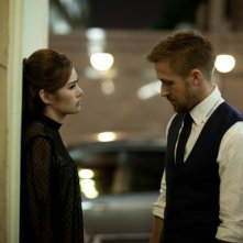 Rhatha Phongam con Ryan Gosling in una scena di Only God Forgives