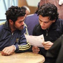 Homeland: i protagonisti Tewfik Jallab e Jamel Debbouze in una scena