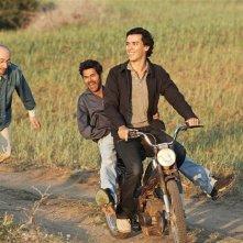 Homeland: Tewfik Jallab, Jamel Debbouze e Fatsah Bouyahmed in una scena