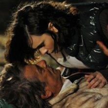 Ti ho cercata in tutti i necrologi: Silvia De Santis e Giancarlo Giannini in un'immagine notturna del film