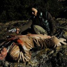 Ti ho cercata in tutti i necrologi: Silvia De Santis spara a Giancarlo Giannini in una scena