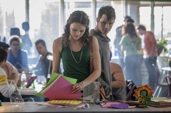 Aimee Teegarden e Matt Lanter in un'immagine della serie Star-Crossed