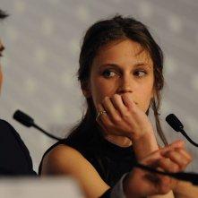 Jeune et jolie: François Ozon e Marine Vacth durante la conferenza stampa a Cannes 2013