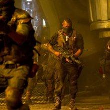 Riddick: Dave Bautista in azione in una scena del film