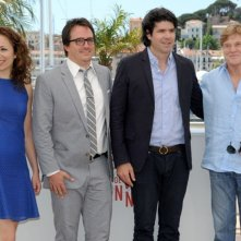All Is Lost: Robert Redford durante il photocall del film a Cannes 2013 insieme al regista J.C. Chandor e ai produttori Anna Gerb e Neal Dodson
