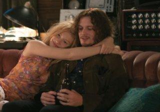 Only Lovers Left Alive: Mia Wasikowska abbraccia un irriconoscibile Anton Yelchin