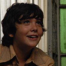 Infanzia clandestina: il giovane Teo Gutiérrez Moreno sorride in una scena del film