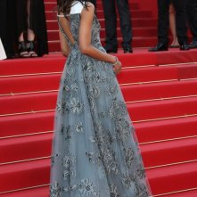 Cannes 2013: Zoe Saldana sul tappeto rosso prima della premiere di Blood Ties