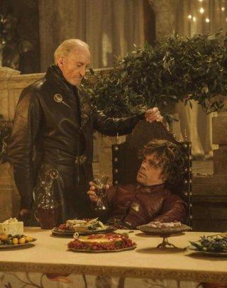 Il trono di spade: Charles Dance e Peter Dinklage in una scena dell'episodio Second Sons