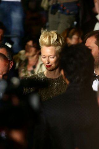 Only Lovers Left Alive: Tilda Swinton presenta il film a Cannes 2013 e sfila sul tappeto rosso