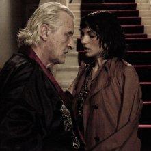 Il futuro: Manuela Martelli con Rutger Hauer in una sensuale immagine del film
